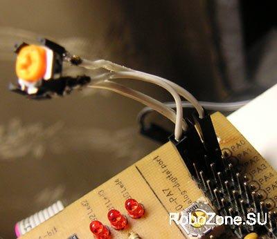 Подстроечный резистор в данной схеме является, по сути, регулируемым резисторным делителем напряжения